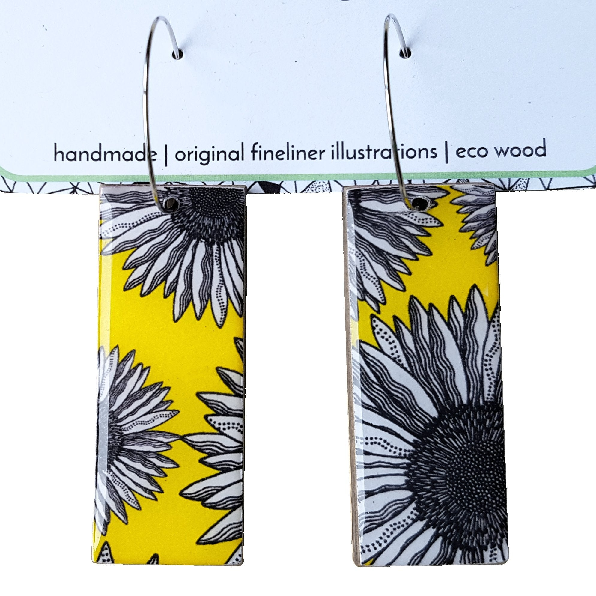 Rectangle dangle earrings in the pattern yellow daisy