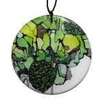 disc pendant necklace in the pattern greenery