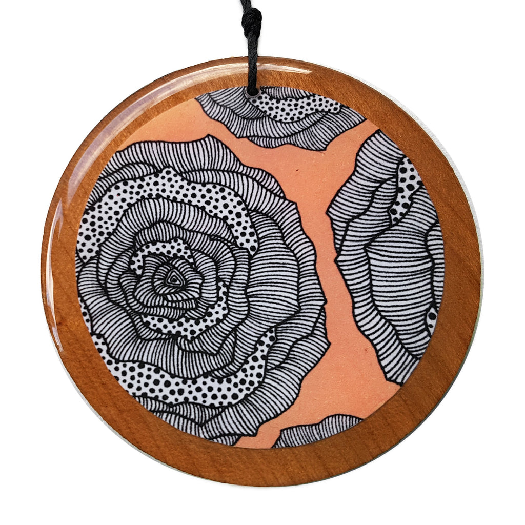 disc pendant necklace in the pattern peach rose