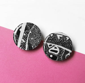 25mm studs in the pattern monochrome