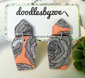 Coffin shaped earrings in the pattern peach rose
