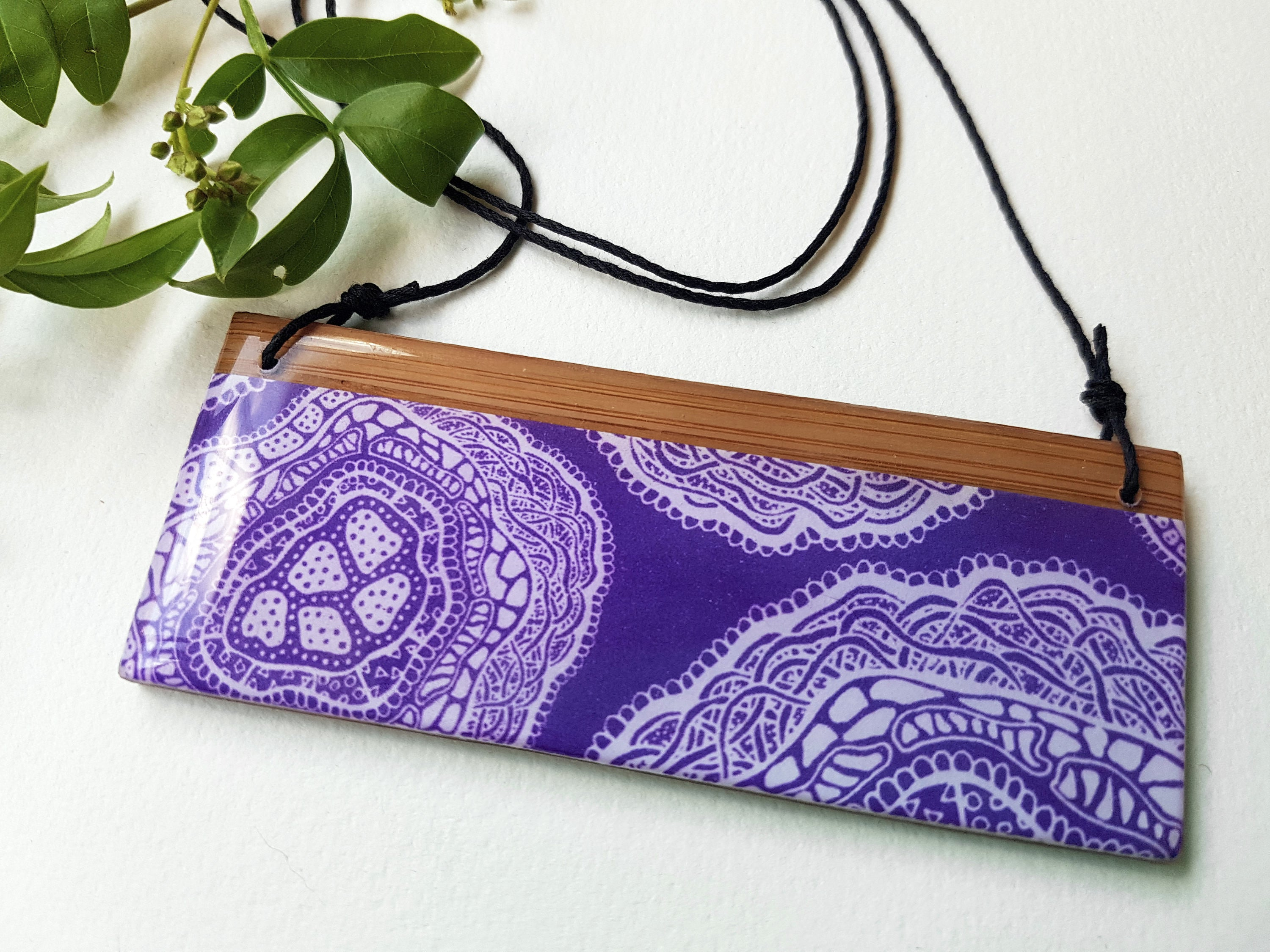 bar pendant necklace in the pattern purple haze