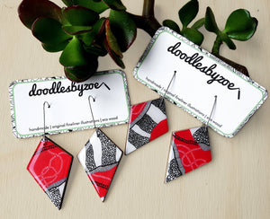 diamond dangle earrings in the pattern red earth