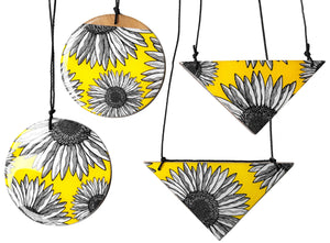 triangle pendant necklace in the pattern yellow daisy