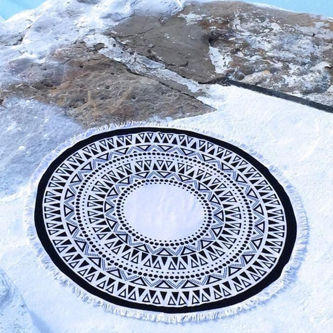 Black and White Mandala Tapestry Round Beach Throw