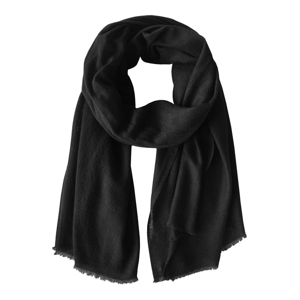Denis-Colomb-Lifestyle - Cashmere-Ring-Shawl