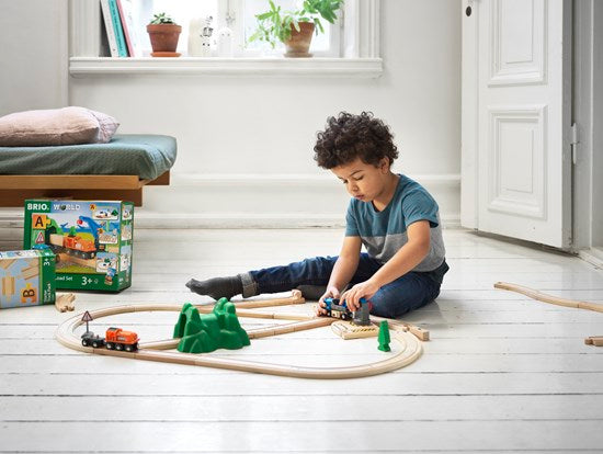 BRIO World Starter Lift & Load Set
