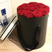 Load image into Gallery viewer, Luxury Satin Handle Preserved Rose Arrangement