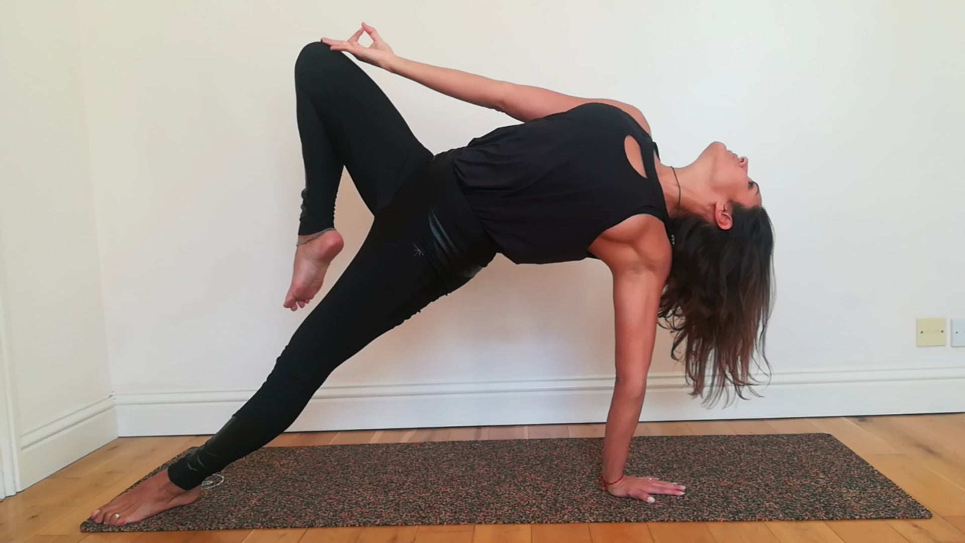 Meet our Yoga Brand Ambassador Lorina!
