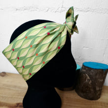 Load image into Gallery viewer, Headscarf in green geometric vintage cotton