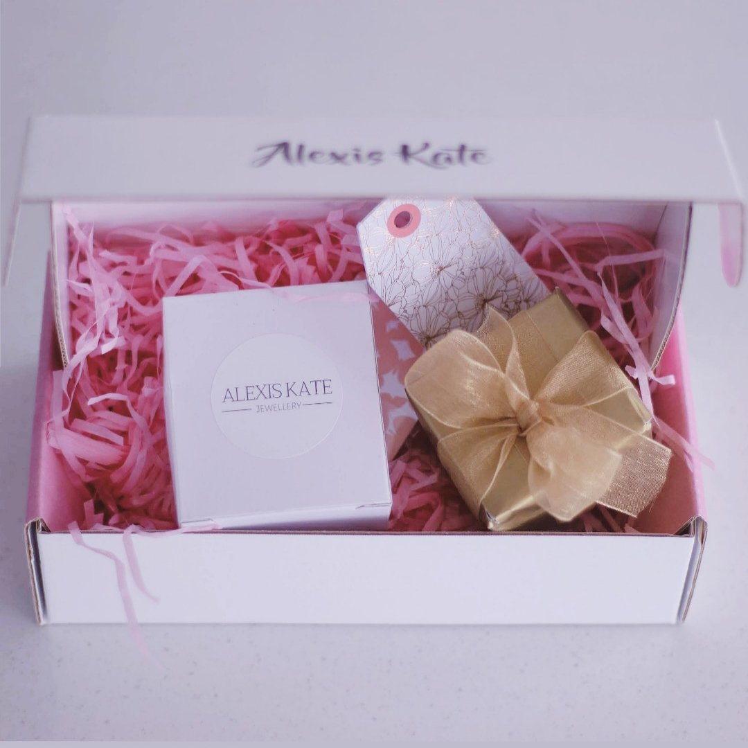 Gift wrapping gift box alexis kate jewellery