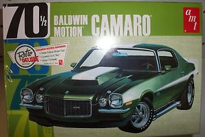 Amt 1/25 Baldwin Motion 1970 Chevy Camaro White Plastic Kit