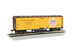 Bachmann HO Track Cleaning 40ft Wood Reefer with Removable Dry Pad - Ready to Run - Agar Packing Co. #401 (yellow, red, white)