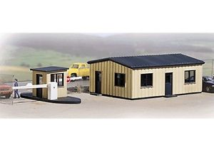 Walthers Cornerstone HO Office And Guard House