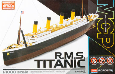 ACADEMY 1/1000 RMS TITANIC WITH COLOURED PARTS