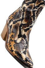 Load image into Gallery viewer, Zinda Μποτάκια Western - Καφέ Μπεζ Snake Skin