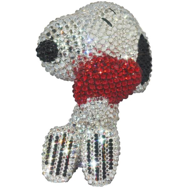 UDF CRYSTAL DECORATE SNOOPY SNOOPY w/HEART《2021年2月より順次発送予定》