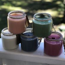 Wooden wick soy candle - Pixie Isle