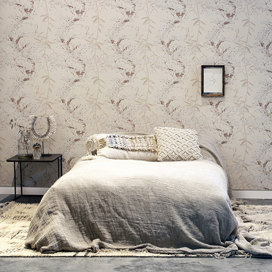 bedroom in neutrals with hkliving usa cherry wall paper