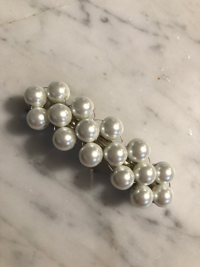 Barrette perles blanches