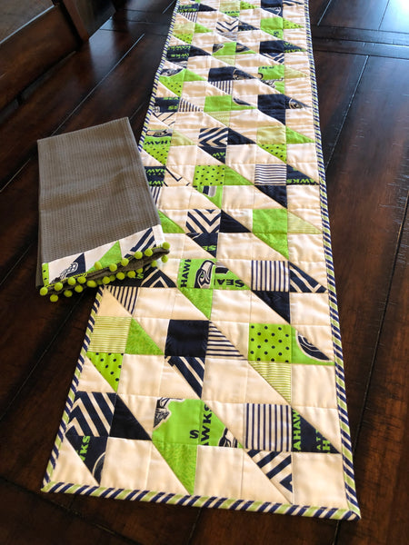 Hawk Flock Table Runner Kit