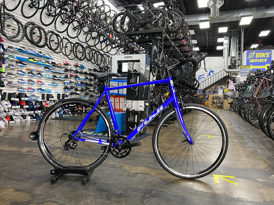 Fuji Sportif 2.5 Shimano Tourney - Electric Blue 2020