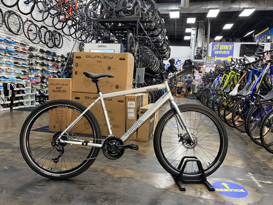 Breezer Bikes Midtown 1.5 - Satin Silver 2021