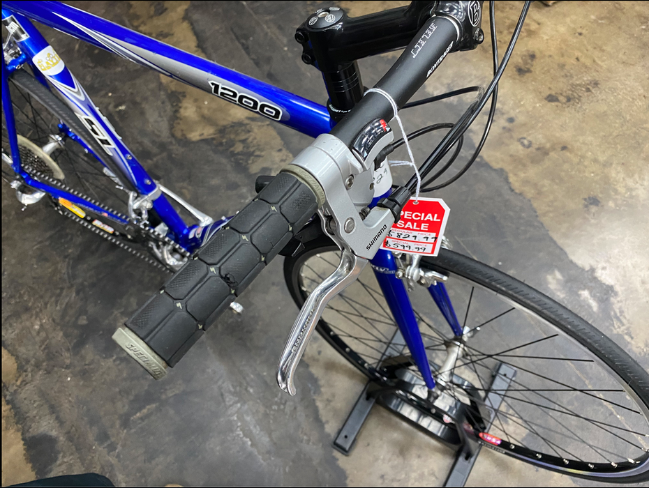 Trek 1200 Hybrid Bike - USED