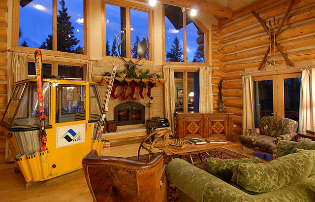 Ski house decorated by vintage winter vintagewinter for Winter cabin bedding