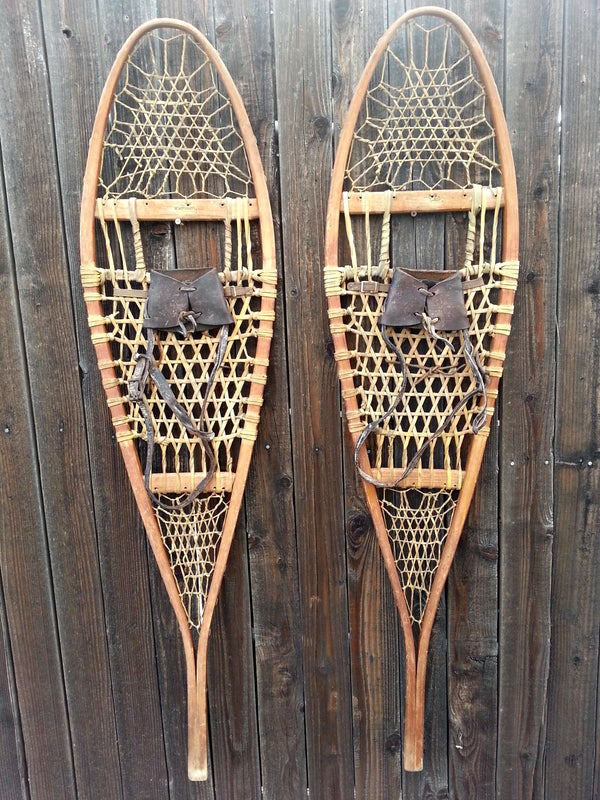 Wallingford Vermont Classic Wooden Snowshoes with Leather Bindings