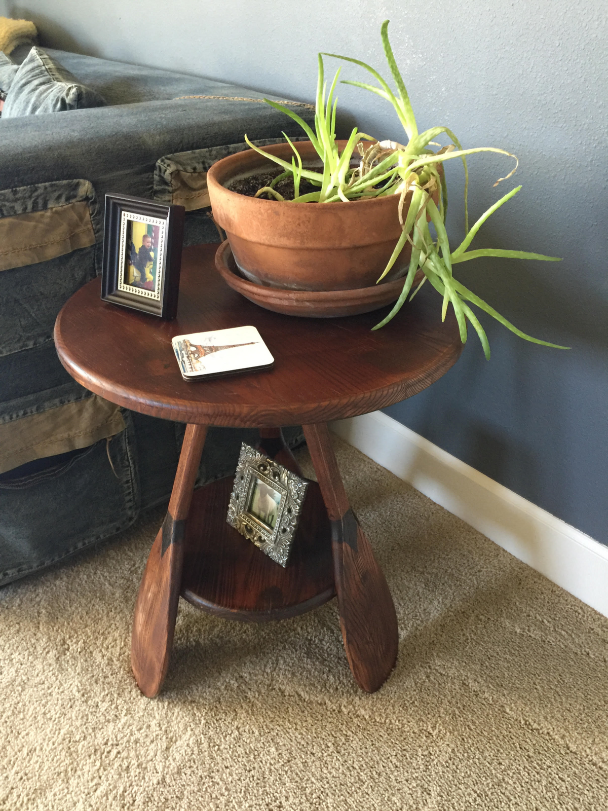 canoe paddle end table - vintagewinter