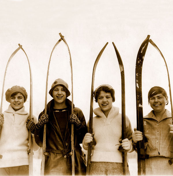 Vintage Ski Photo - Girls of Skiing