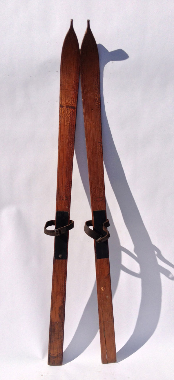 Antique Lund Company Youth Skis Vintagewinter