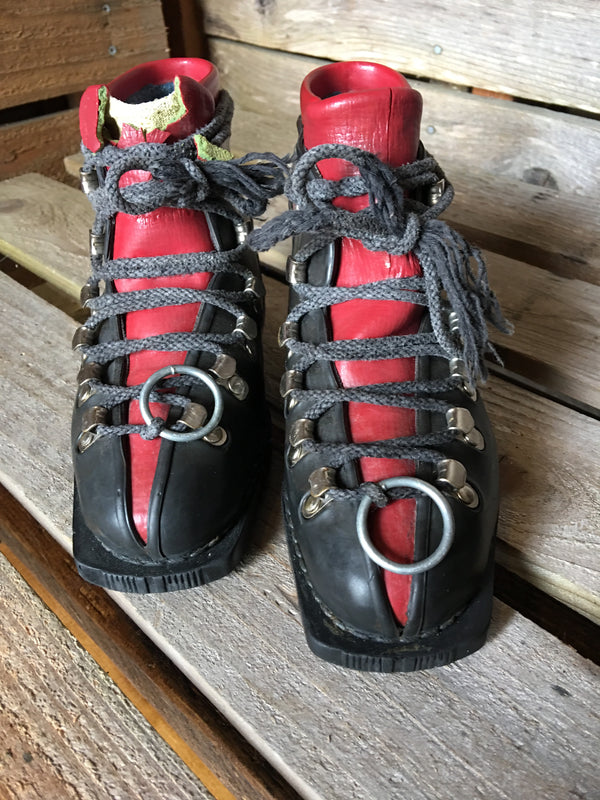 Black/Red Vintage Leather Children's Ski Boots made in Japan