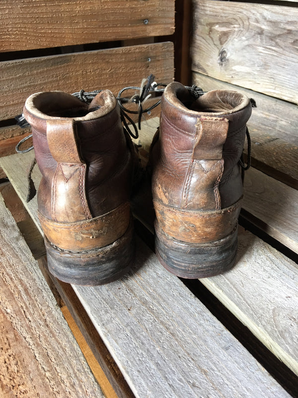 Two-tone Leather Ski Boots - Vintage