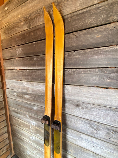 Maple Skis - Wedding Guestbook / DIY Ski Projects