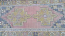 "Load image into Gallery viewer, Turkish Vintage Rug  4'5"" x 8'1"" - souks du monde"