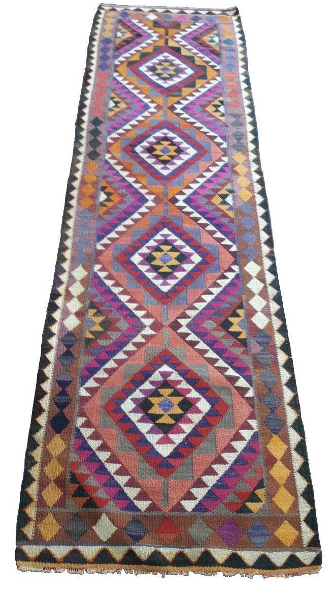 Herki Turkish Runner 10' x 3' - souks du monde