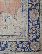 "Load image into Gallery viewer, Turkish Vintage Rugs - 10'3""x7'5"" - souks du monde"