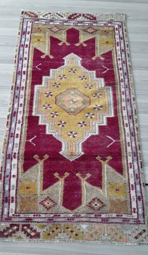 Turkish Vintage Rug - 4'11