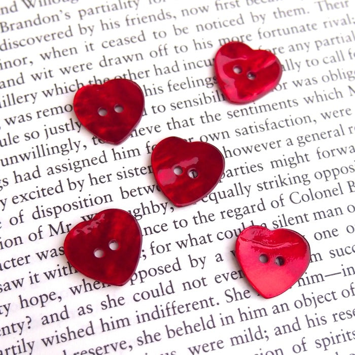 Red Shell Heart Buttons