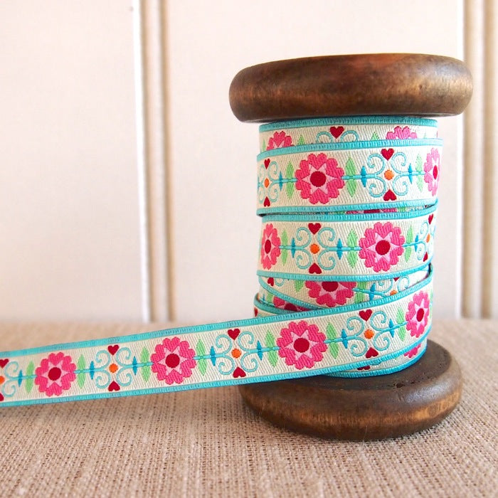 Retro Flower Cream Ribbon