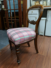 Load image into Gallery viewer, Plaid Chair