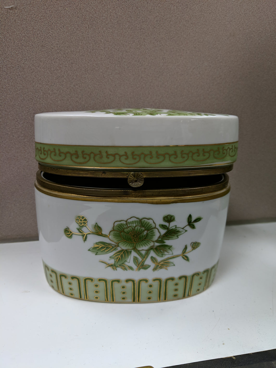 Round Ceramic Trinket Box