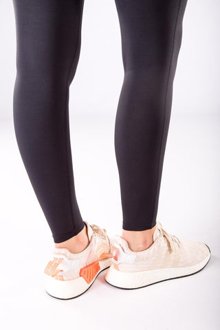 Image of Compression Leggings with cell pocket - black