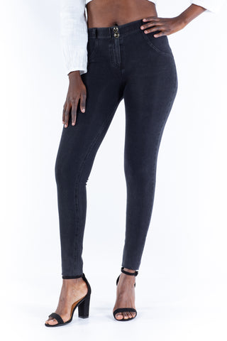 Image of Butt lifting Jeggings - Black wash