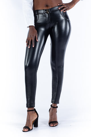 Butt lifting faux leather stretch pants - black
