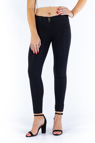 Image of Butt lifting Jeggings -  Black