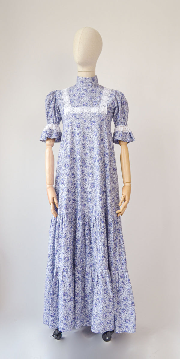 1970s Rare vintage Laura Ashley floral blue and white puffed sleeves maxi dress - Size S