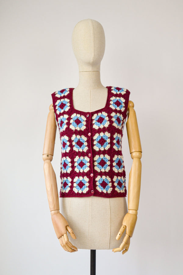 1970s Vintage crocheted granny square crocheted vest - Size S